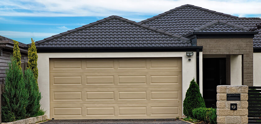 Garage Door Re-Spraying | Brisbane | Renovating or selling your home